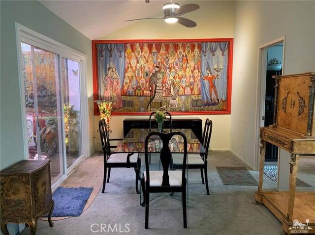 68107 Seven Oaks Drive, Cathedral City CA: http://media.crmls.org/medias/feeb9788-adb3-4bcf-af3d-17b2d737c193.jpg