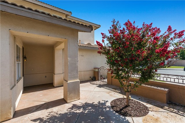 39573 Tischa Dr, Temecula, CA 92591 Photo 3