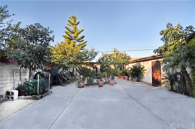 1715 W 152nd Street, Compton CA: http://media.crmls.org/medias/fef30940-3e34-4797-8fdb-593756fa7cf6.jpg