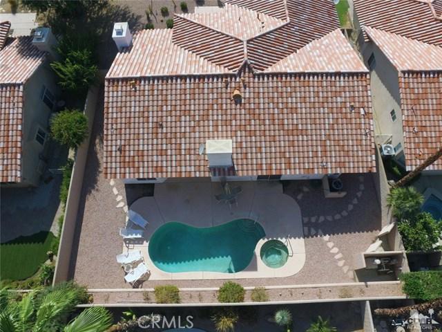 40620 Glenwood Lane, Palm Desert CA: http://media.crmls.org/medias/ff04ace7-da48-4407-b4bc-c8380ef0d1c9.jpg