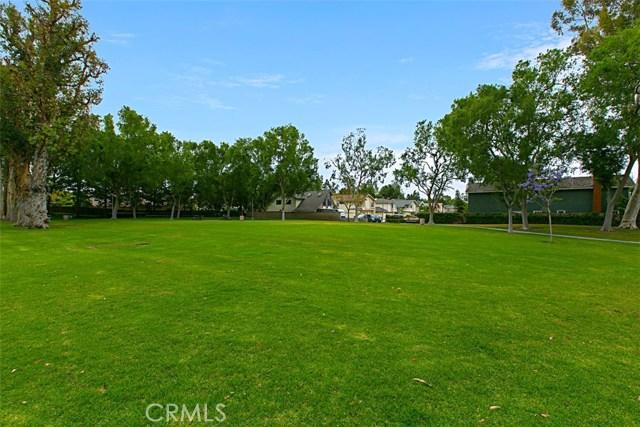 40 Secret Garden, Irvine CA: http://media.crmls.org/medias/ff0b449c-7a92-446f-bce5-7b9bc2837cc8.jpg