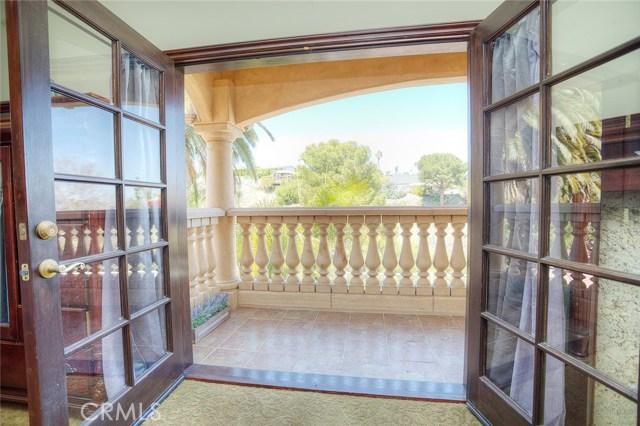 1806 W 1st Street, San Pedro CA: http://media.crmls.org/medias/ff0e00da-054e-432a-92d6-202e3230ee0e.jpg