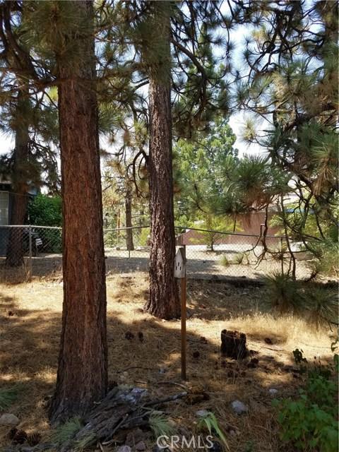 416 Vista Lane, Big Bear CA: http://media.crmls.org/medias/ff11274b-f188-44b8-b81a-2581d0045ee5.jpg