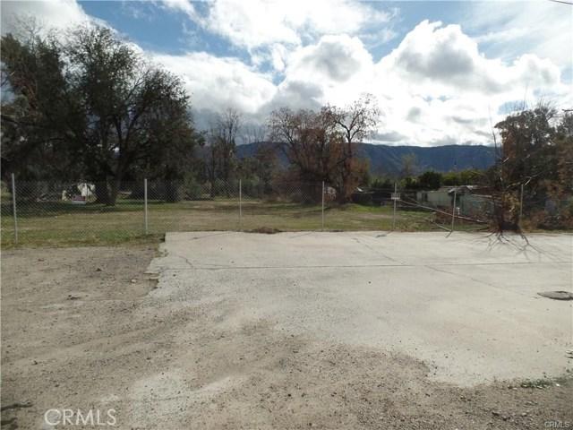 824 E Lakeshore Drive, Lake Elsinore CA: http://media.crmls.org/medias/ff170194-130e-40c9-8549-c8982056cc72.jpg