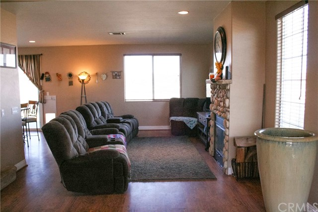 42160 Indian Hill Trail, Aguanga CA: http://media.crmls.org/medias/ff1899cd-85ce-4fa5-9daf-cc826f9c8e5e.jpg