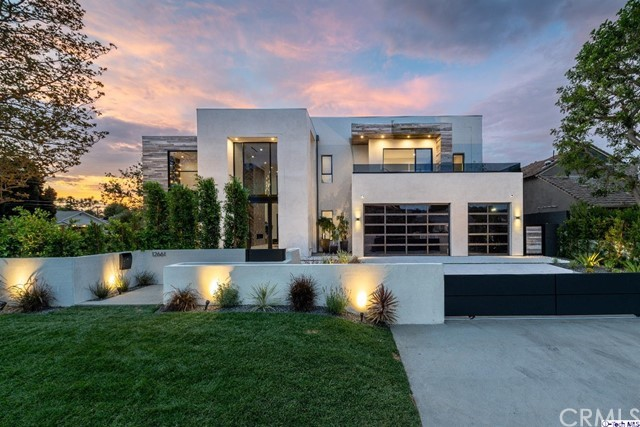 12661 Sarah Street Studio City, CA  is listed for sale as MLS Listing 318002835