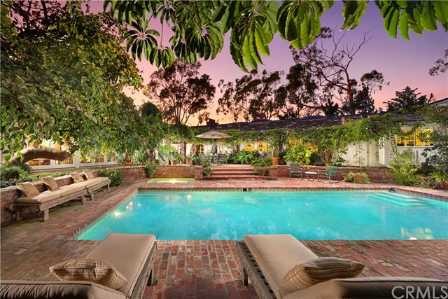Single Family Home for Sale at 433 Isabella Terrace Corona Del Mar, California 92625 United States