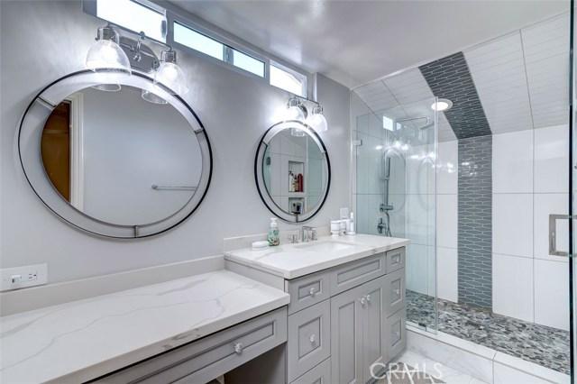 164 Villa Rita Drive, La Habra Heights CA: http://media.crmls.org/medias/ff329070-28b6-4ef6-8eb6-6daaaceb4884.jpg