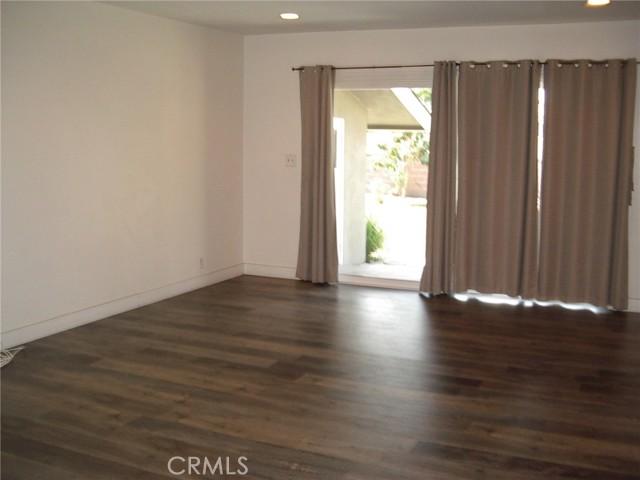 1510 E Phillips Street, Long Beach CA: http://media.crmls.org/medias/ff32911e-77ad-4a4d-b523-3854e55e5d66.jpg