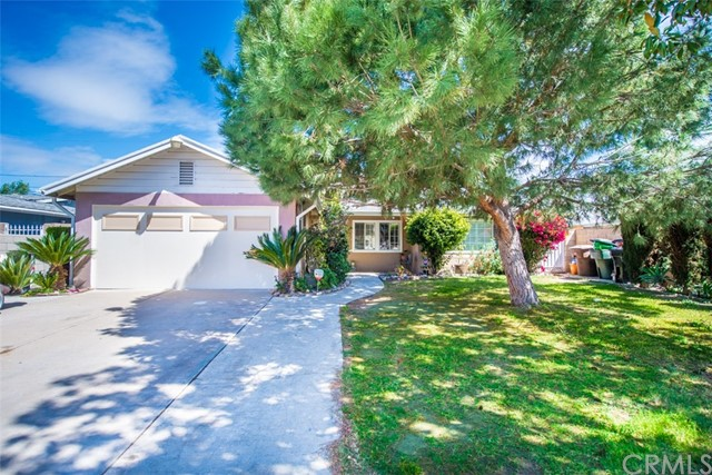 1407 W Beacon Avenue Anaheim, CA 92802 is listed for sale as MLS Listing IG18089051