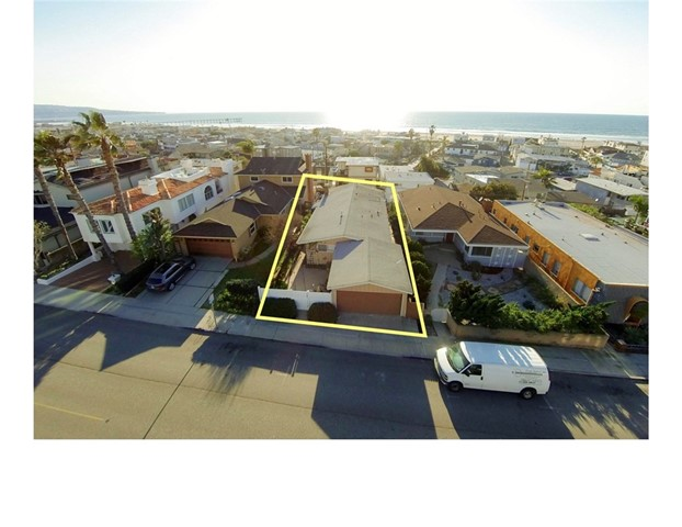 Additional photo for property listing at 1965 Manhattan Avenue 1965 Manhattan Avenue Hermosa Beach, California,90254 Stati Uniti