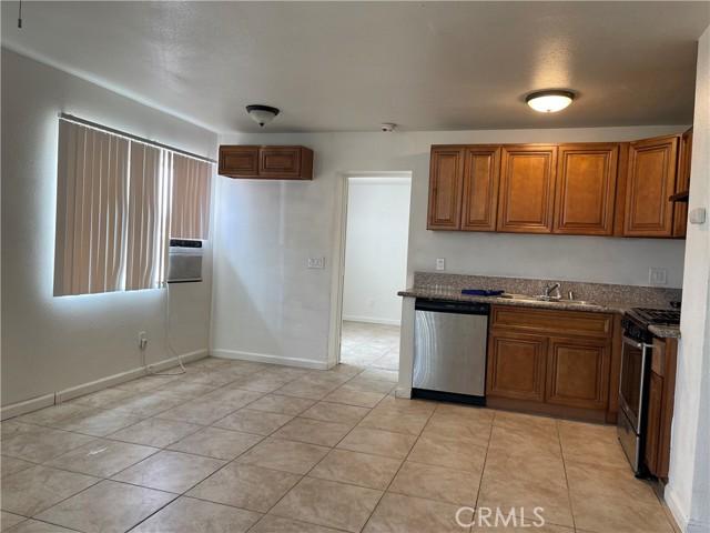 66124 Acoma Avenue, Desert Hot Springs CA: http://media.crmls.org/medias/ff5cf1b5-8fee-47ef-932d-4665c01e2ad9.jpg