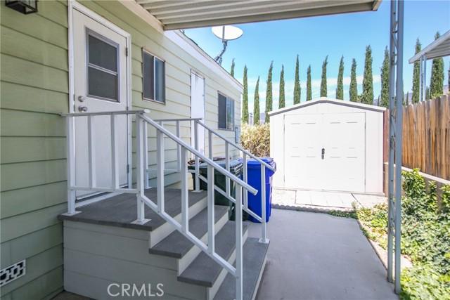 10622 Bryant #7, Yucaipa CA: http://media.crmls.org/medias/ff685f45-4de0-4047-a078-19917939faee.jpg