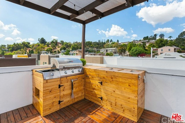 2205 Fox Lane Los Angeles, CA 90026 - MLS #: DW18198060