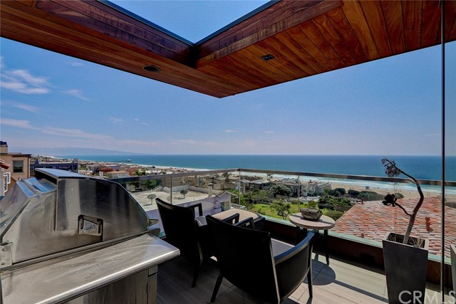 2615 Crest Drive Manhattan Beach, CA 90266 - MLS #: SB18218346
