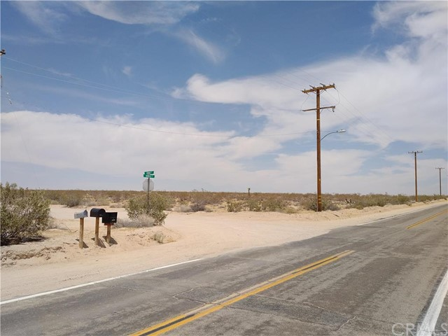 Land for Sale at BORDER Avenue Joshua Tree, 92252 United States