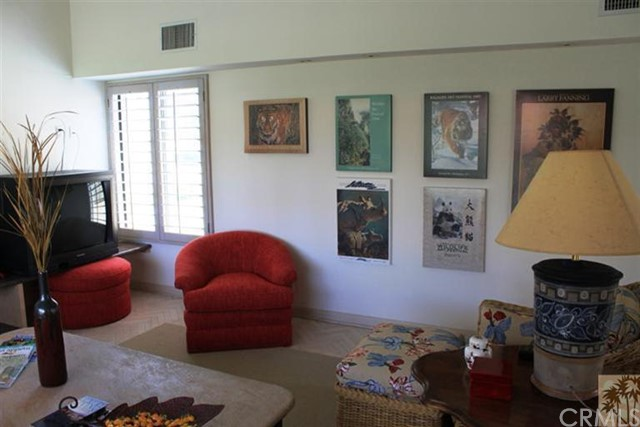 95 Tennis Club Drive, Rancho Mirage CA: http://media.crmls.org/medias/ff8994b2-be6e-460f-bc27-1c9804b26964.jpg