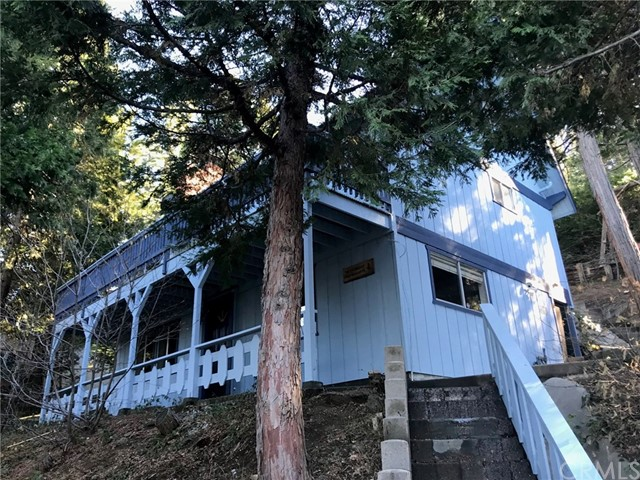 28559 Wabash Road, Lake Arrowhead, CA 92352