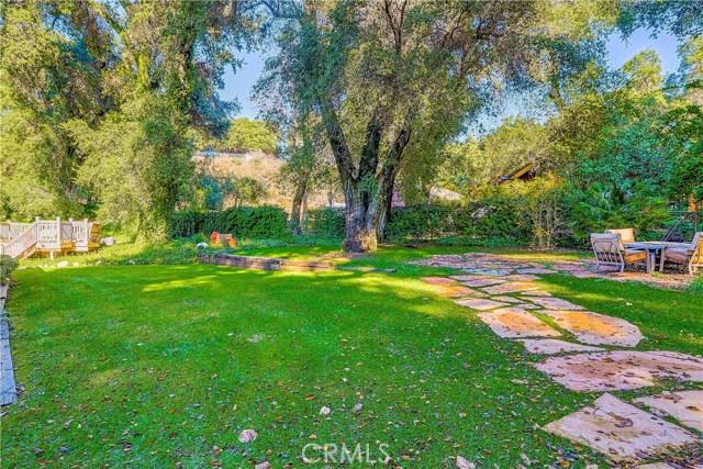37170 Oak Grove Road, Yucaipa CA: http://media.crmls.org/medias/ff9c9cfd-763e-4e24-b336-98bdbe56f6bb.jpg
