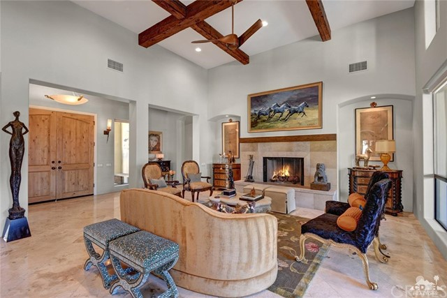 15 Villaggio Place, Rancho Mirage CA: http://media.crmls.org/medias/ffa42128-c935-4ec3-ac9b-bf9a17390eb0.jpg