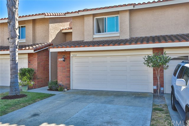 7952 Moonmist Circle , CA 92648 is listed for sale as MLS Listing OC18215248