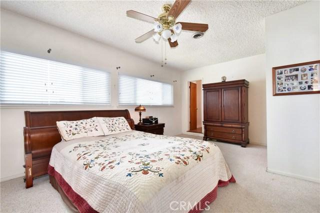 6209 Hungerford Street, Lakewood CA: http://media.crmls.org/medias/ffb6b8a9-5fed-492b-8284-62e278f4dc0c.jpg