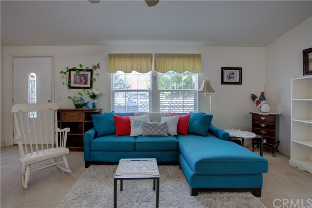 7340 Carmellia Avenue, Dos Palos CA: http://media.crmls.org/medias/ffcc1a72-45b9-46da-af1b-22d0c1d30be2.jpg