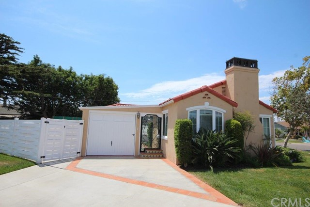 628 Hartford Avenue, Huntington Beach CA: http://media.crmls.org/medias/ffdc7df8-5968-4e77-81b3-1eaf7962e74a.jpg