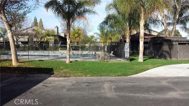 1151 S Chestnut Avenue, Fresno CA: http://media.crmls.org/medias/ffde19fb-b83e-41f3-b800-75b48c8968d9.jpg