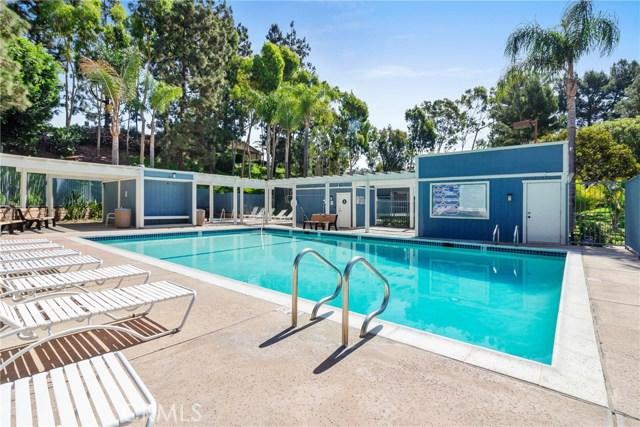 915 S Ridgecrest Circle, Anaheim Hills CA: http://media.crmls.org/medias/ffe13fa0-b604-427d-ab5c-b271616f0fe4.jpg