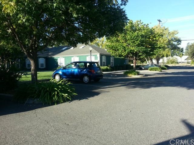 1260 East Avenue, Chico CA: http://media.crmls.org/medias/ffe2fb45-5b5b-4055-8120-719f057d0106.jpg