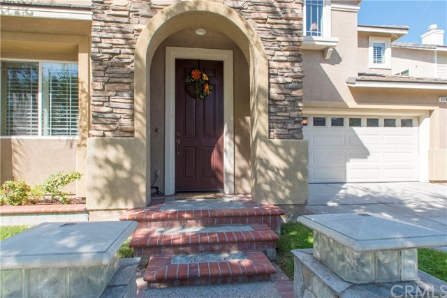 3176 Muir Trail Dr. Fullerton, CA 92833 is listed for sale as MLS Listing PW17273520