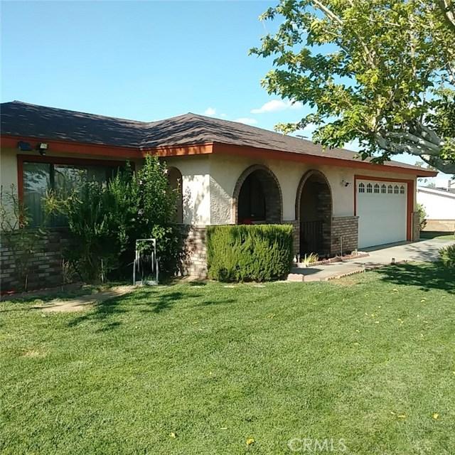 9749 Irene Avenue, California City CA: http://media.crmls.org/mediascn/0004ac91-c5f1-4bde-b717-76fdf661d057.jpg
