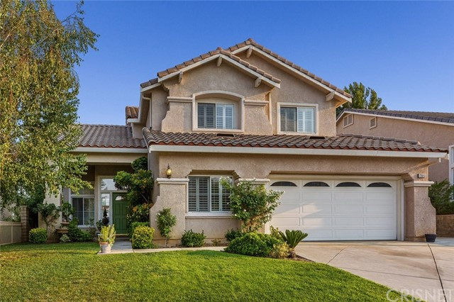 21648 Canyon Heights Circle, Saugus CA: http://media.crmls.org/mediascn/004fcd80-ba02-4098-8d3f-4717a16977c6.jpg