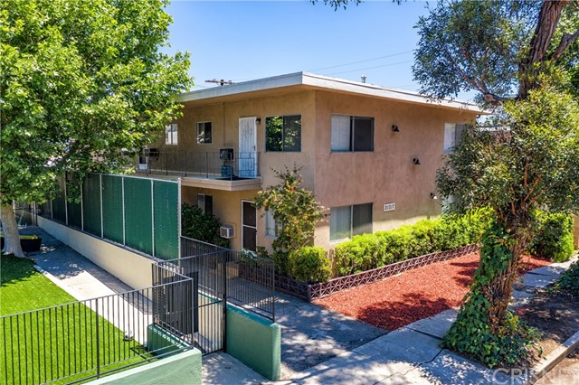 Photo of 21317 Costanso Street, Woodland Hills, CA 91364