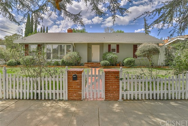 Detail Gallery Image 1 of 58 For 10503 White Oak Ave, Granada Hills,  CA 91344 - 4 Beds | 2/1 Baths