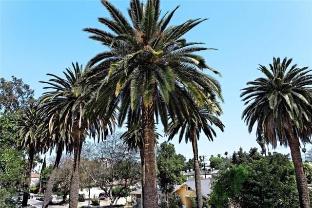 14735 Friar Street, Van Nuys CA: http://media.crmls.org/mediascn/00b51db3-cb45-4ad5-a92b-82e61d3c42f7.jpg