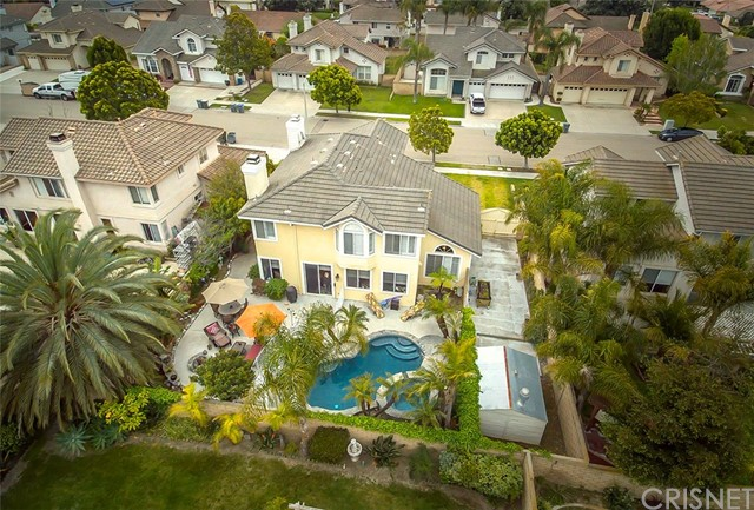 Single Family Home for Sale at 1901 Kapalua Drive Oxnard, California 93036 United States