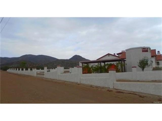 2473 Via Clarita, Acton CA: http://media.crmls.org/mediascn/011e7826-2609-4061-bcbe-a447b6ac2075.jpg