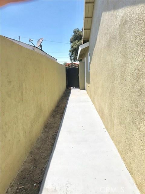 1009 S Arapaho Drive, Santa Ana CA: http://media.crmls.org/mediascn/013691bf-deb0-4b65-8874-dbc50e415f80.jpg