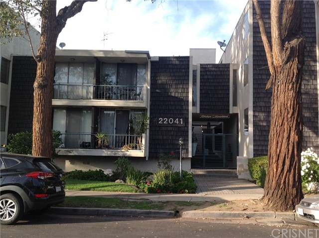 Condominium for Sale at 22041 Costanso Street Unit 207 22041 Costanso Street Woodland Hills, California 91364 United States