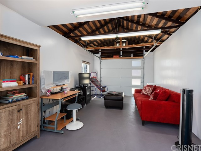 7132 N Figueroa Street, Eagle Rock CA: http://media.crmls.org/mediascn/01641974-c895-4111-be89-bf1fb1084507.jpg