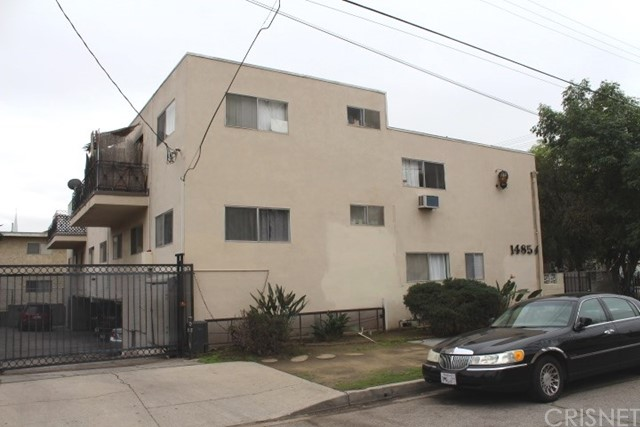 Single Family for Sale at 14854 Wyandotte Street Van Nuys, California 91405 United States