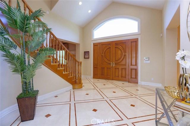 24833 Jacob Hamblin Road, Hidden Hills CA: http://media.crmls.org/mediascn/0186064c-4556-413c-8ebb-caea6404434d.jpg