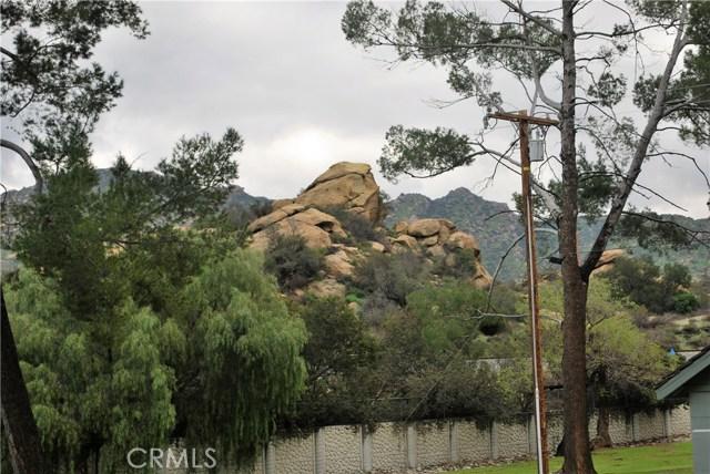 5832 Oak Knolls Road, Simi Valley CA: http://media.crmls.org/mediascn/01dd0fd1-907e-4f54-b73c-9c71d8f15281.jpg
