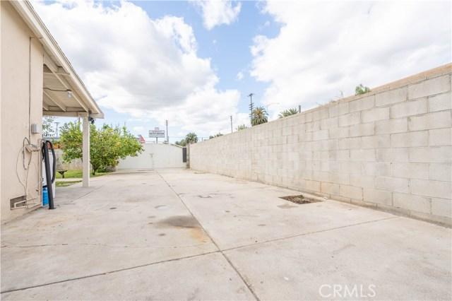 14707 Hagar Street, Mission Hills (San Fernando) CA: http://media.crmls.org/mediascn/021aee3c-c358-4275-8697-87a940624a02.jpg