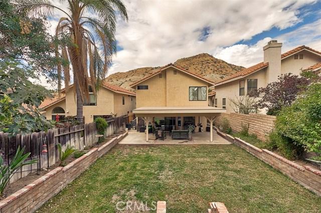 29314 Gary Drive, Canyon Country CA: http://media.crmls.org/mediascn/0233d52a-8b23-4165-9fb1-8b5ba874849c.jpg