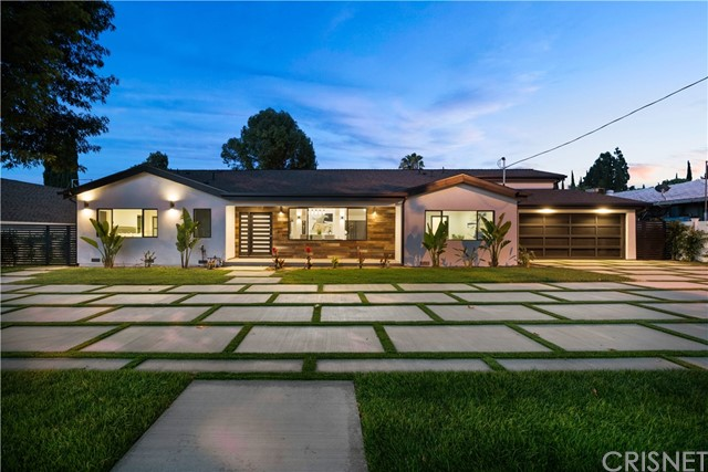 Photo of 5702 Lubao Avenue, Woodland Hills, CA 91367