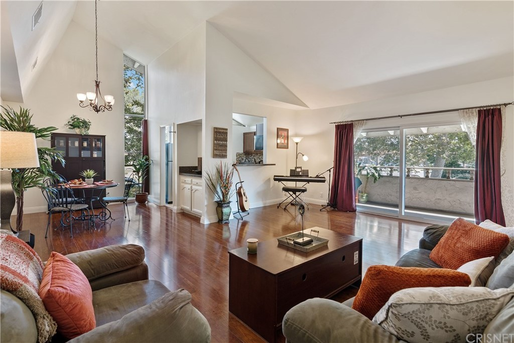 Photo of 31552 AGOURA ROAD #7, Westlake Village, CA 91361