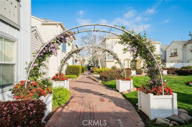 1800 S Pacific Coast, Redondo Beach CA: http://media.crmls.org/mediascn/02a6015f-afdb-4f5a-80e1-8d9f5ecb1de5.jpg